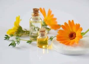 30 Amazing Uses of Essential oils in everyday life